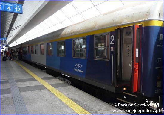 Przewozy Regionalne - wagon w malowaniu InterREGIO