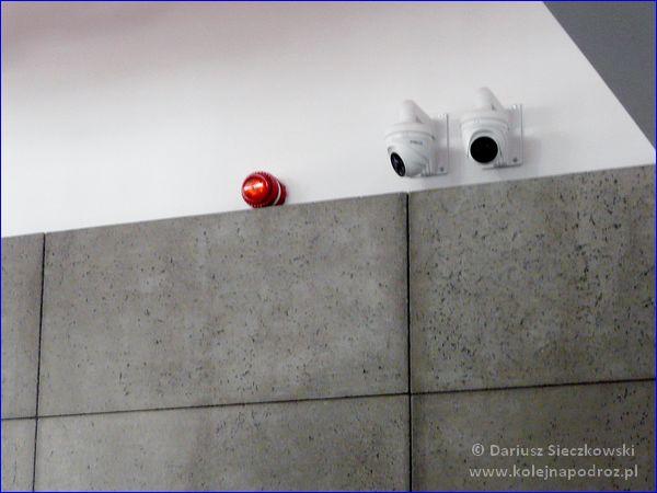 Katowice Ligota - kamery monitoringu w holu dworca