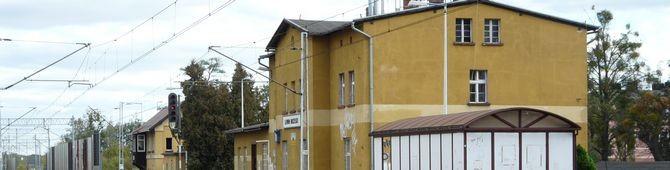 Lewin Brzeski – stacja kolejowa