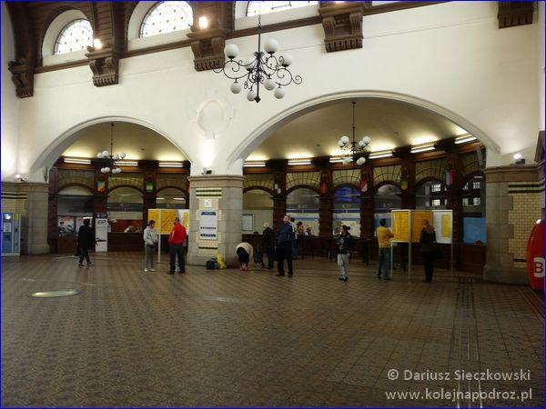 Opole Główne - hol dworca