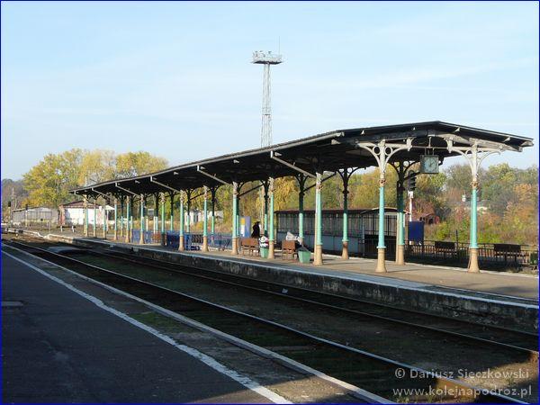 Nysa - dworzec kolejowy - peron 2