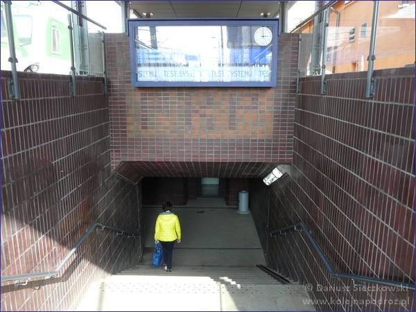 Grodzisk Mazowiecki - zejście do przejścia podziemnego