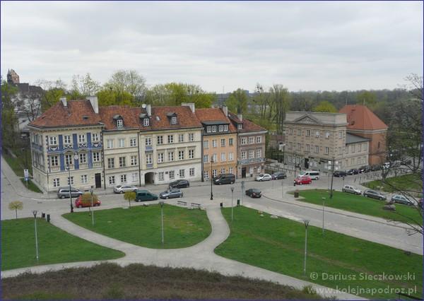 Warszawa - ulica Mostowa z murów obronnych